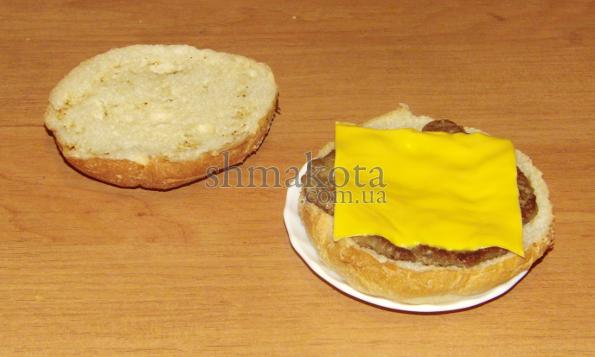 Сыр в гамбургер