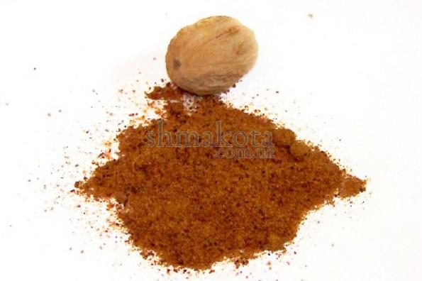 Мускатний горіх