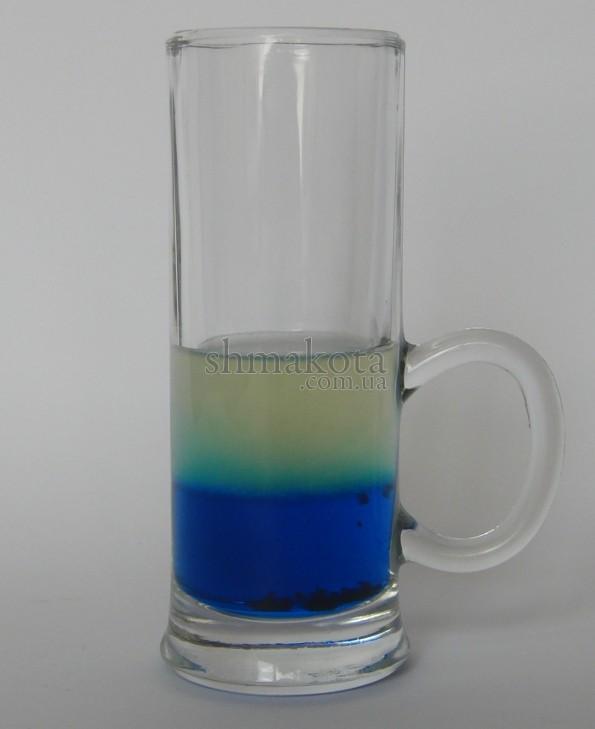 Голубой Кюрасао, лимонный сок и соус Табаско
