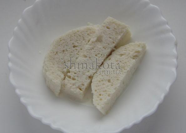 Батон, замоченный в молоке