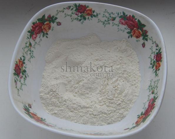 Мука, разрыхлитель и соль