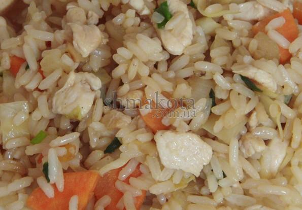 Рис з овочами та куркою