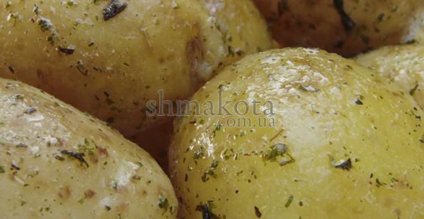 Молода картопля з прянощами