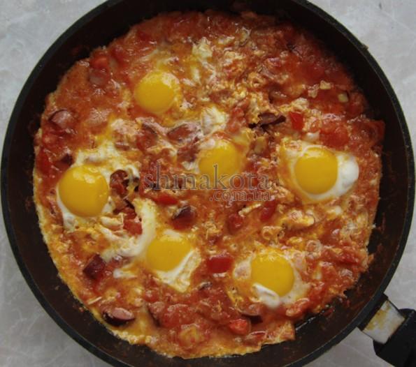 Мароканское рагу с жаренными яйцами