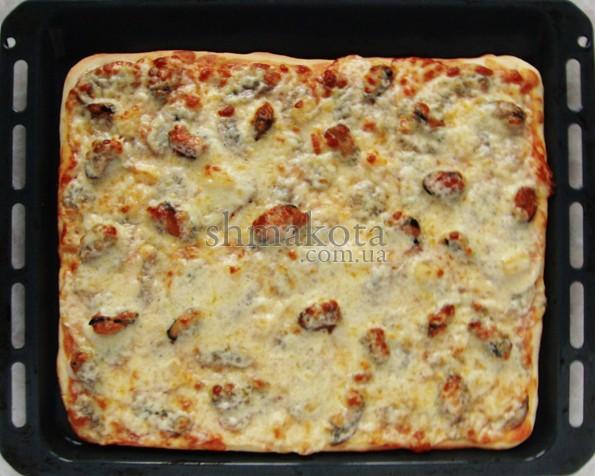 Пицца с мидиями и ананасом